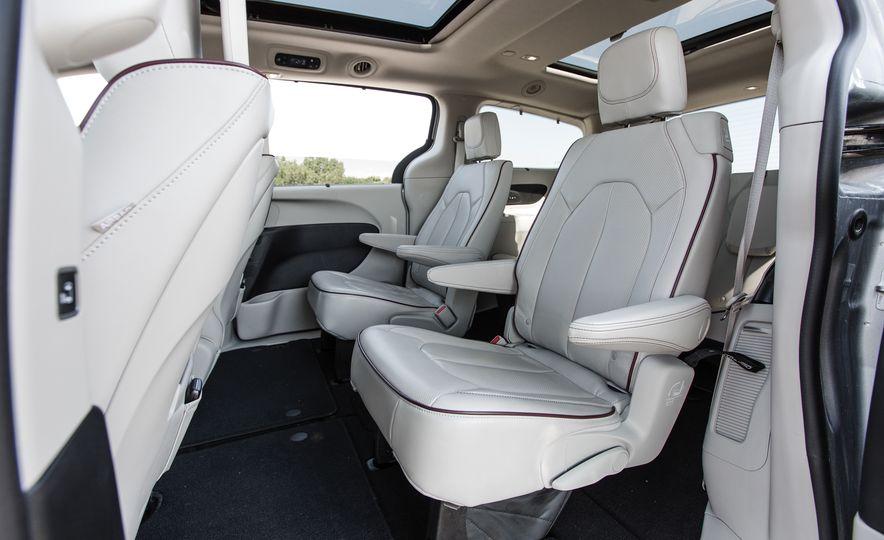 2017 Chrysler Pacifica - Slide 68
