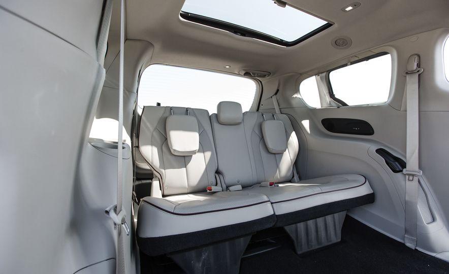 2017 Chrysler Pacifica - Slide 71