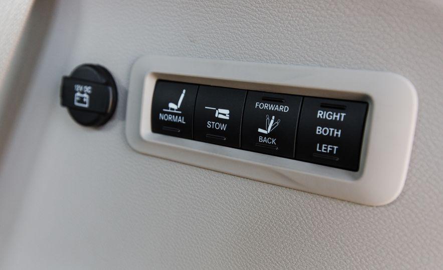 2017 Chrysler Pacifica - Slide 92