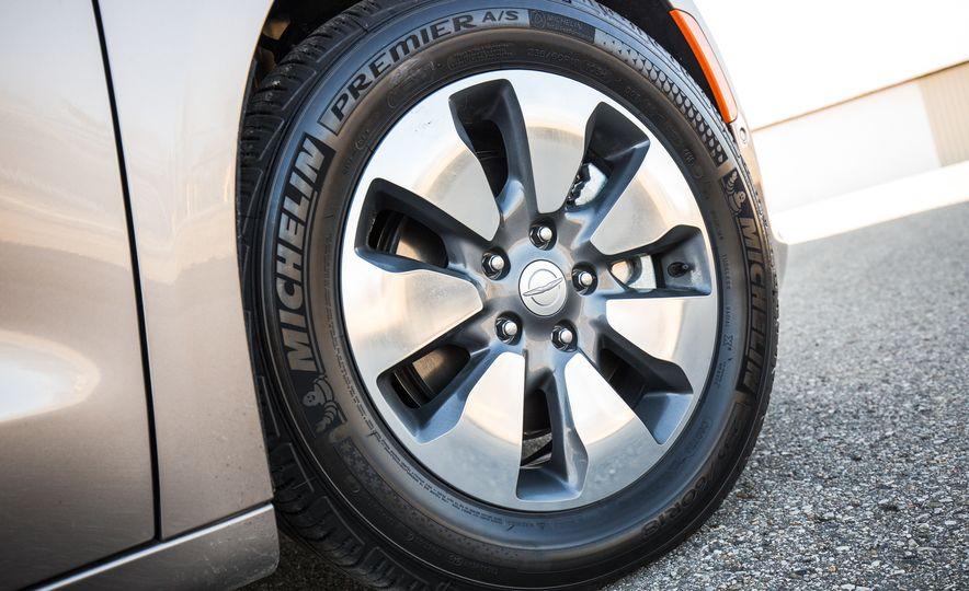 2017 Chrysler Pacifica - Slide 103