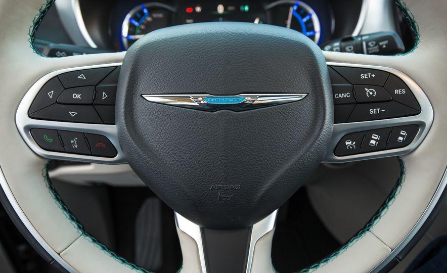 2017 Chrysler Pacifica - Slide 104
