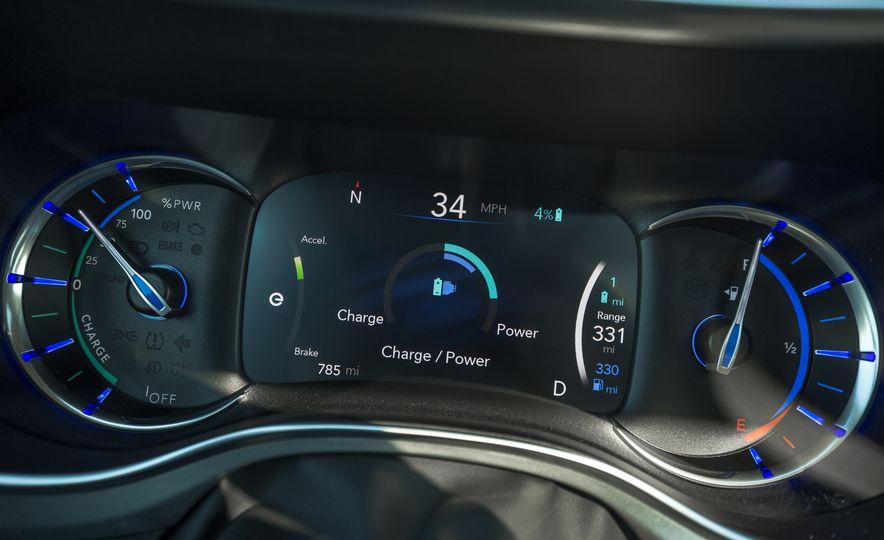 2017 Chrysler Pacifica - Slide 105
