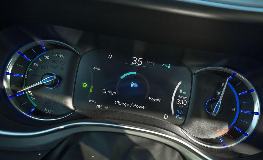 2017 Chrysler Pacifica - Slide 106