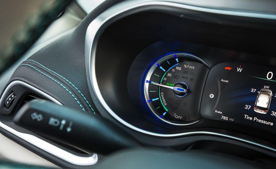 2017 Chrysler Pacifica - Slide 109