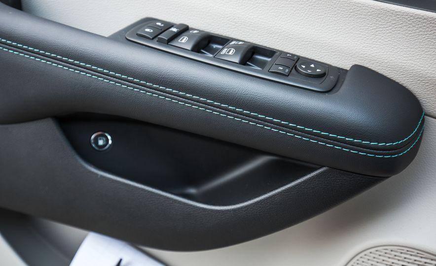 2017 Chrysler Pacifica - Slide 115