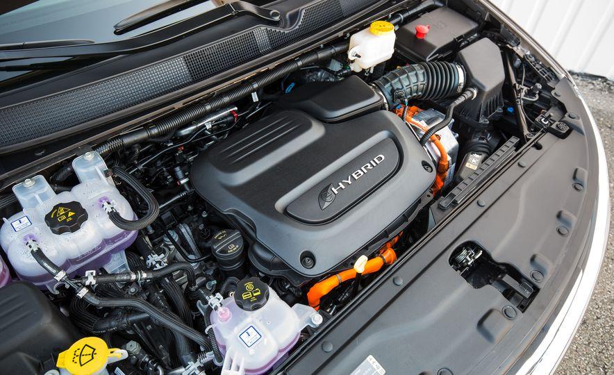 2017 Chrysler Pacifica - Slide 120
