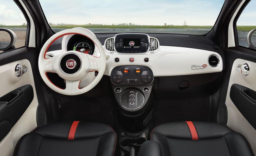 2017 Fiat 500e - Slide 7