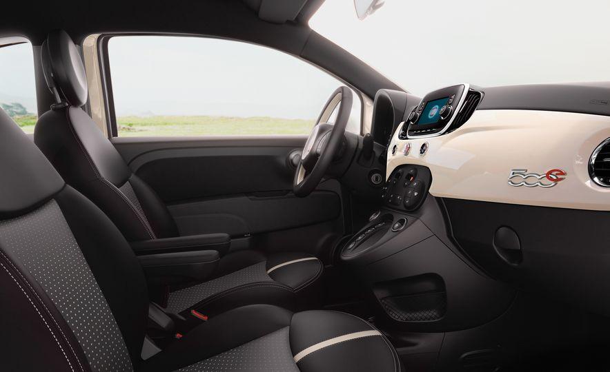 2017 Fiat 500e - Slide 8