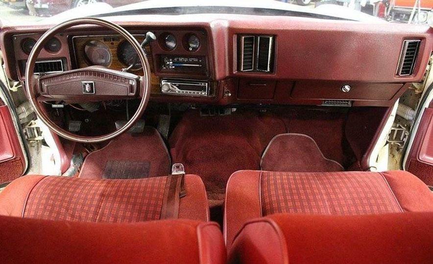 The Spirit of '76: The Custom Cloud Was an Ersatz Rolls-Royce Out of Florida - Slide 11