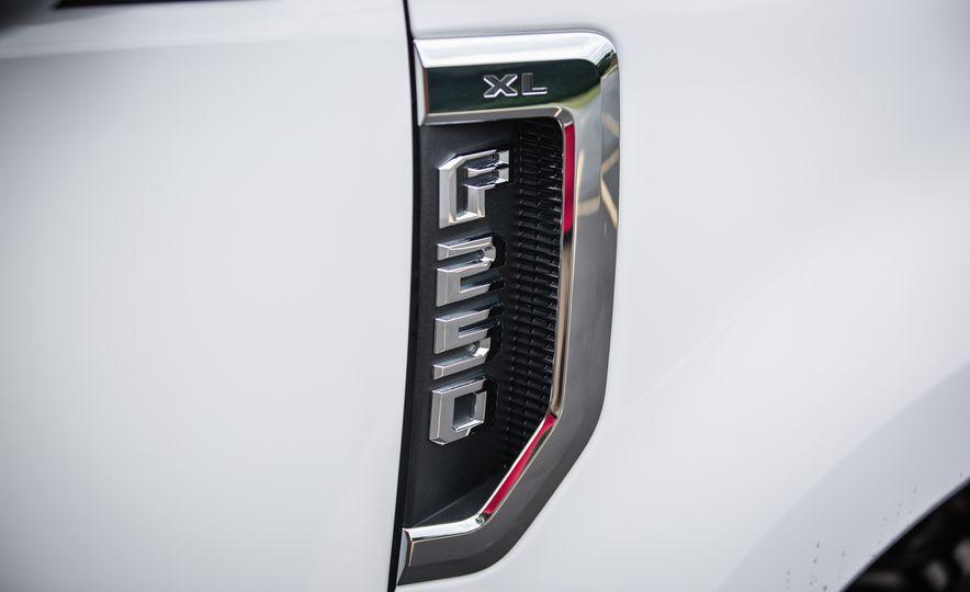 2017 Ford F-series Super Duty - Slide 148