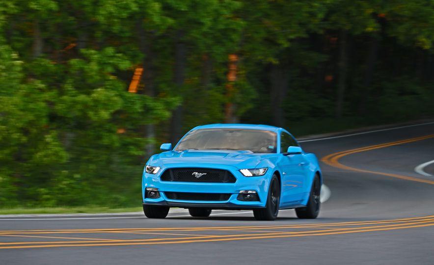 2017 Ford Mustang GT 5.0 6MT - Slide 2