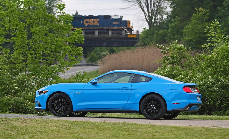 2017 Ford Mustang GT 5.0 6MT - Slide 16