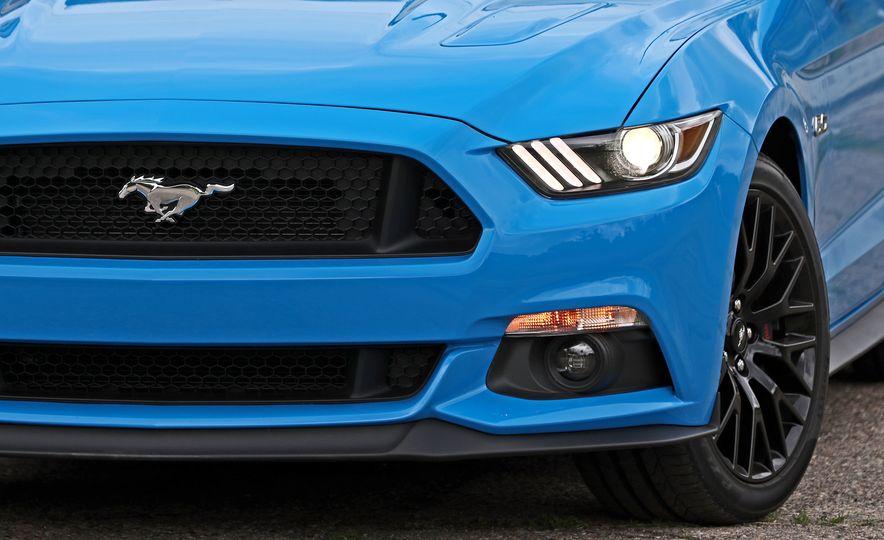 2017 Ford Mustang GT 5.0 6MT - Slide 21