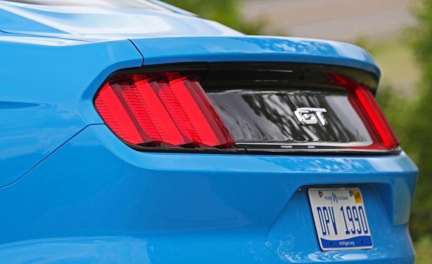 2017 Ford Mustang GT 5.0 6MT - Slide 29
