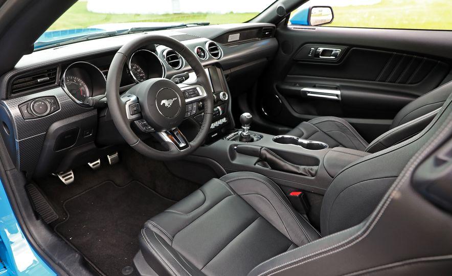2017 Ford Mustang GT 5.0 6MT - Slide 33