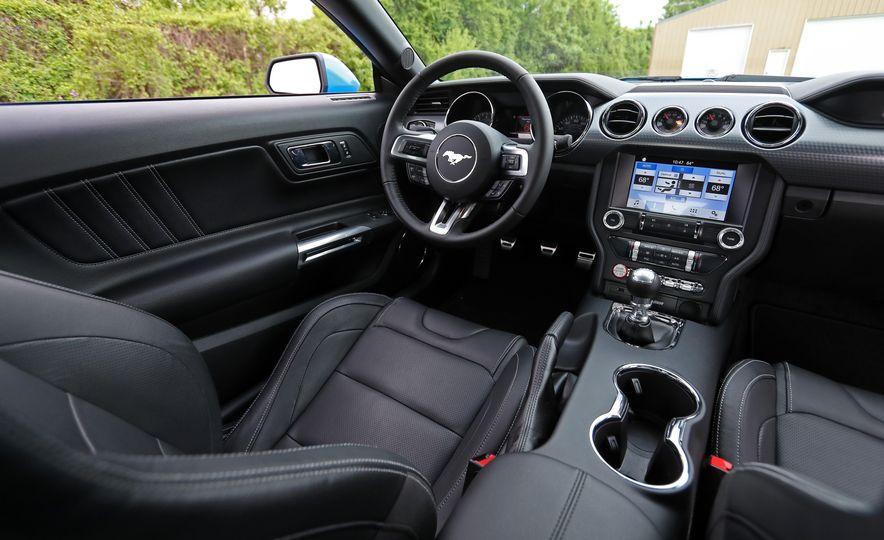 2017 Ford Mustang GT 5.0 6MT - Slide 34