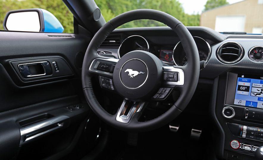 2017 Ford Mustang GT 5.0 6MT - Slide 35