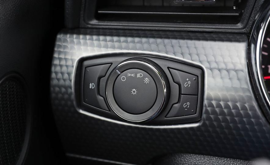 2017 Ford Mustang GT 5.0 6MT - Slide 40