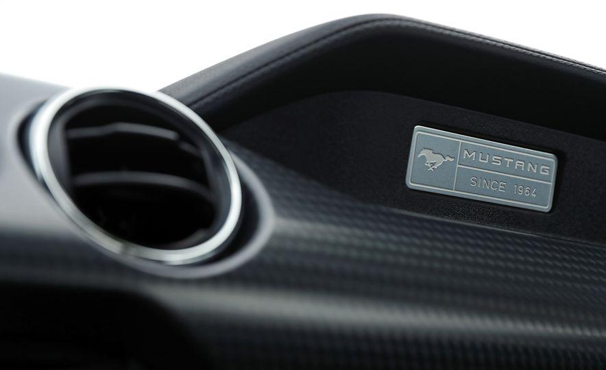 2017 Ford Mustang GT 5.0 6MT - Slide 43