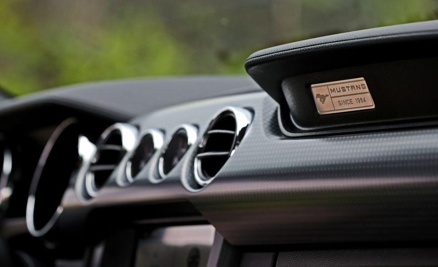 2017 Ford Mustang GT 5.0 6MT - Slide 44