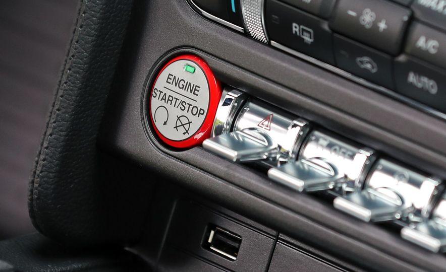 2017 Ford Mustang GT 5.0 6MT - Slide 51