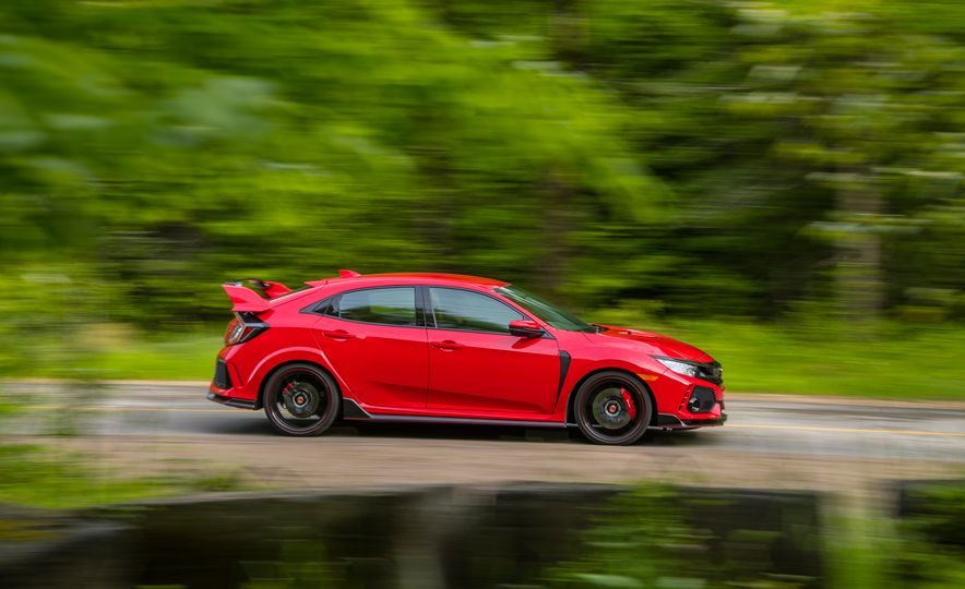 2017 Honda Civic Type R - Slide 1
