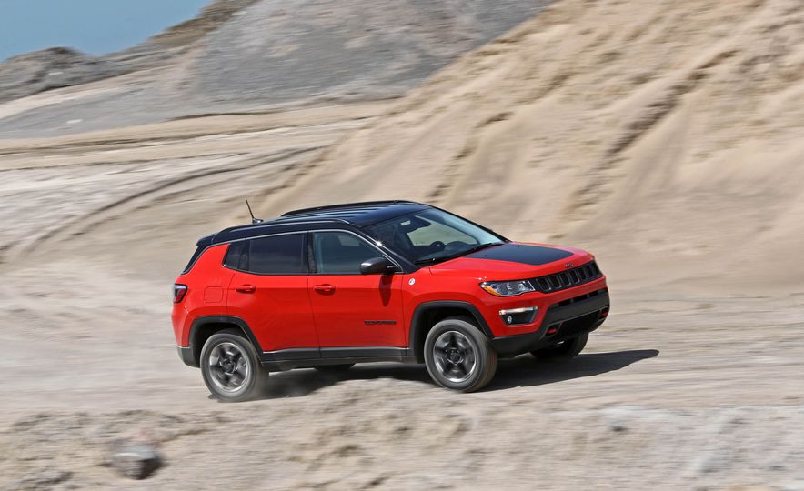 2017 Jeep Compass - Slide 1