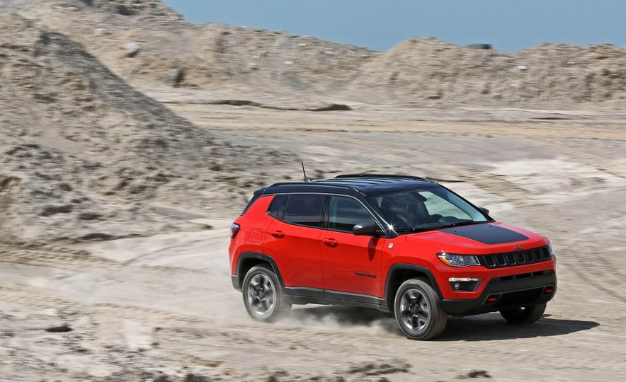 2017 Jeep Compass - Slide 2