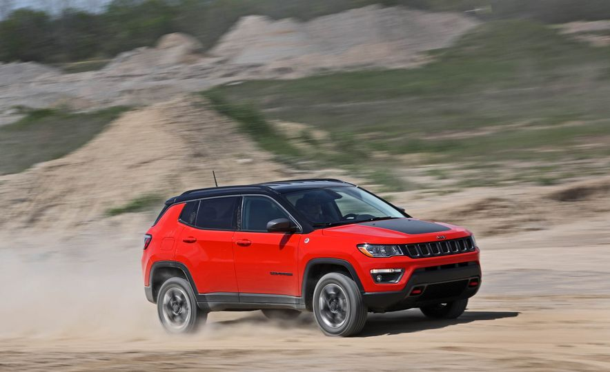 2017 Jeep Compass - Slide 3