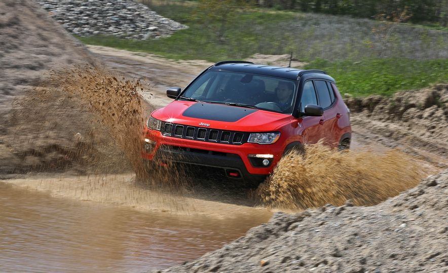 2017 Jeep Compass - Slide 7