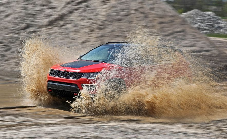 2017 Jeep Compass - Slide 8