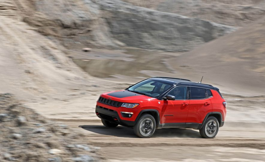 2017 Jeep Compass - Slide 10