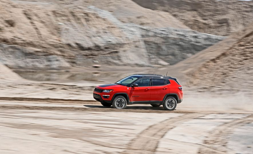 2017 Jeep Compass - Slide 11