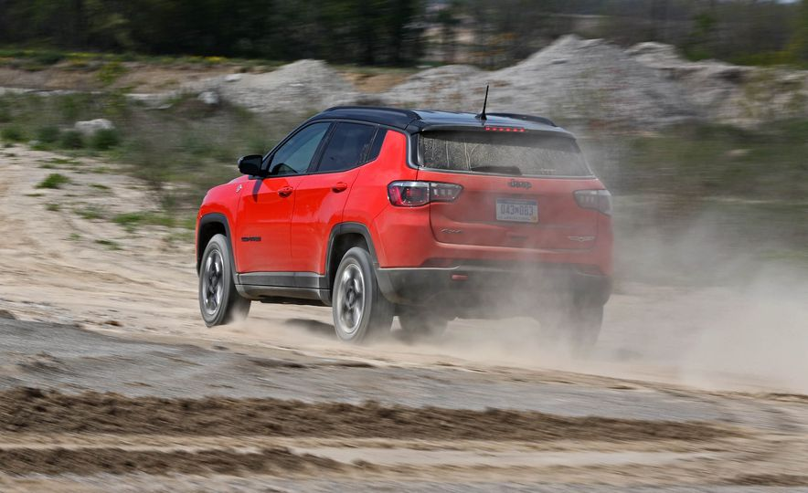 2017 Jeep Compass - Slide 12