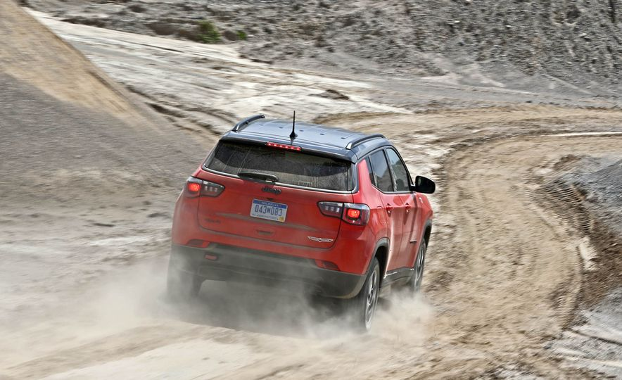 2017 Jeep Compass - Slide 13