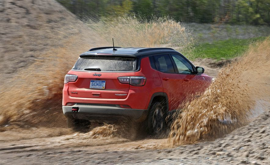 2017 Jeep Compass - Slide 16