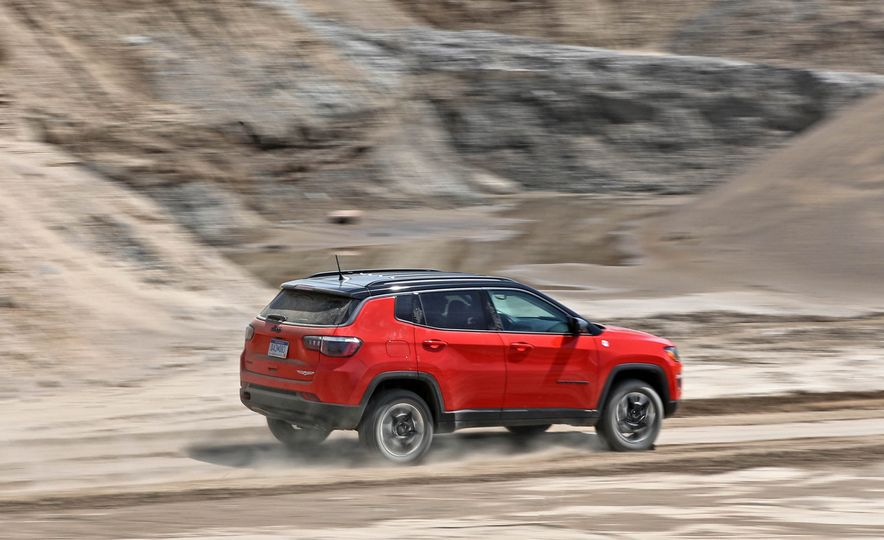 2017 Jeep Compass - Slide 18