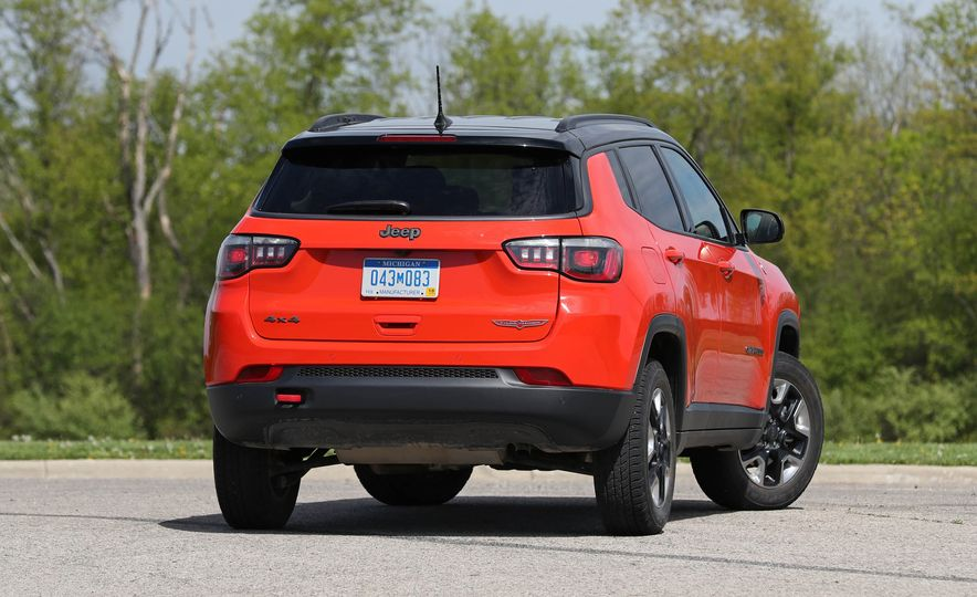 2017 Jeep Compass - Slide 22