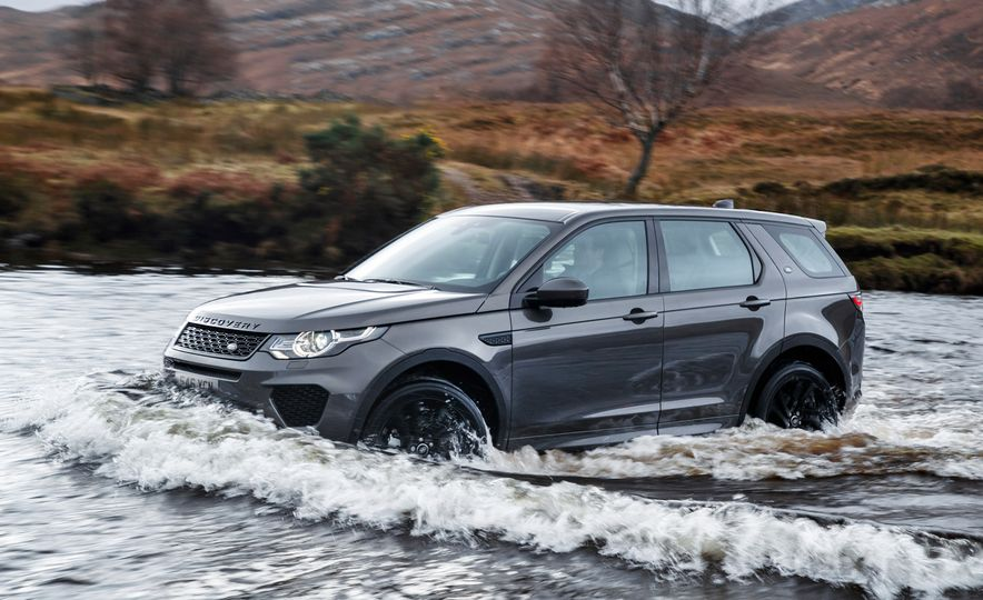 2017 Land Rover Discovery Sport - Slide 1
