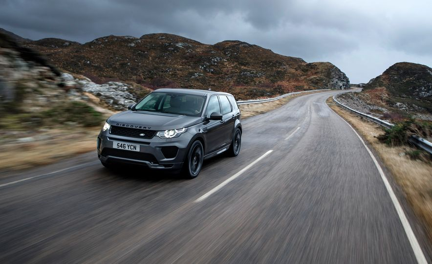 2017 Land Rover Discovery Sport - Slide 2