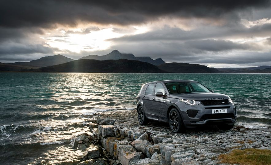 2017 Land Rover Discovery Sport - Slide 6