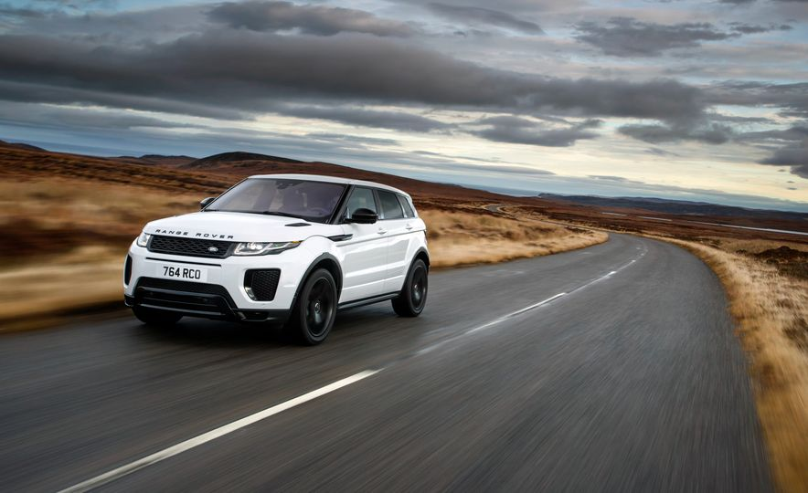 2017 Land Rover Discovery Sport - Slide 8
