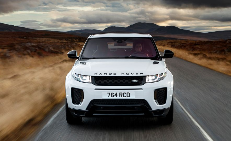 2017 Land Rover Discovery Sport - Slide 10