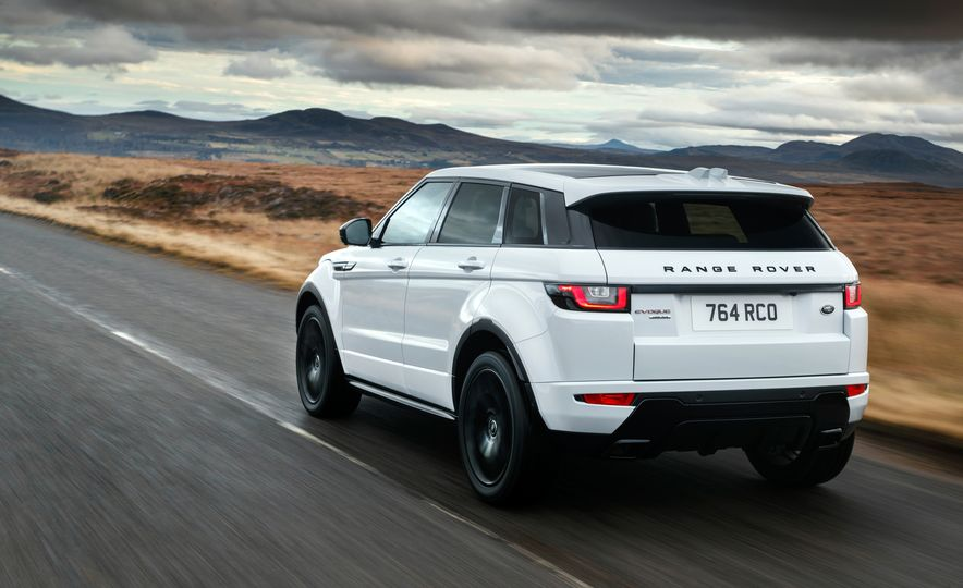 2017 Land Rover Discovery Sport - Slide 11