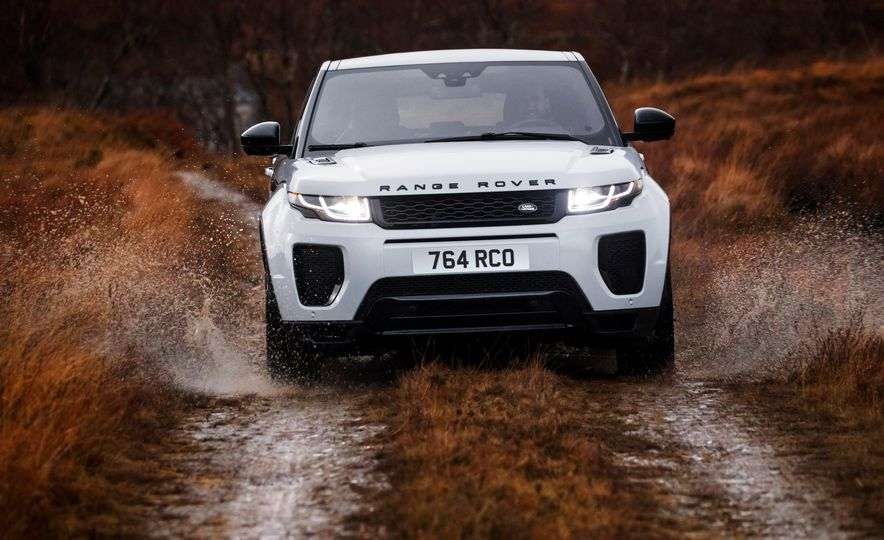 2017 Land Rover Discovery Sport - Slide 12