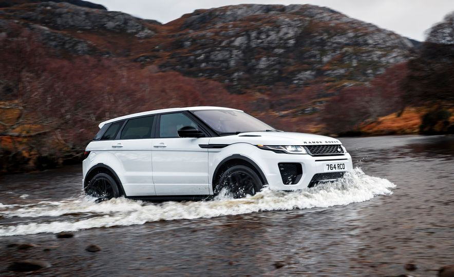 2017 Land Rover Discovery Sport - Slide 13