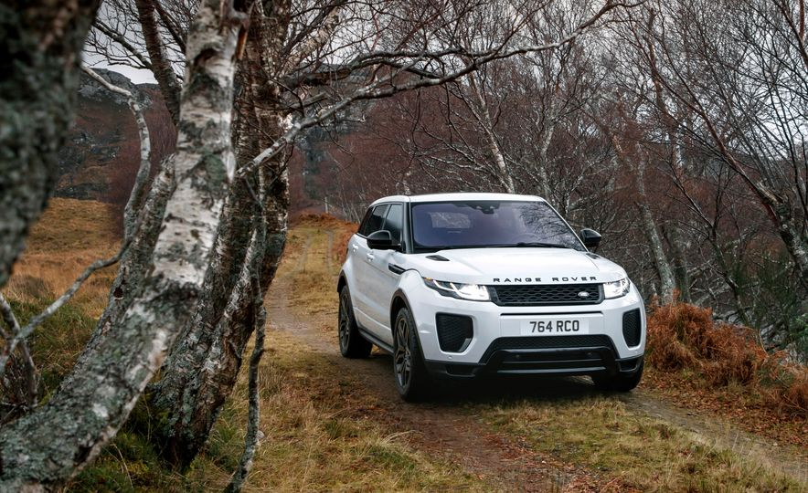 2017 Land Rover Discovery Sport - Slide 14