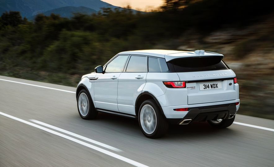 2017 Land Rover Discovery Sport - Slide 19