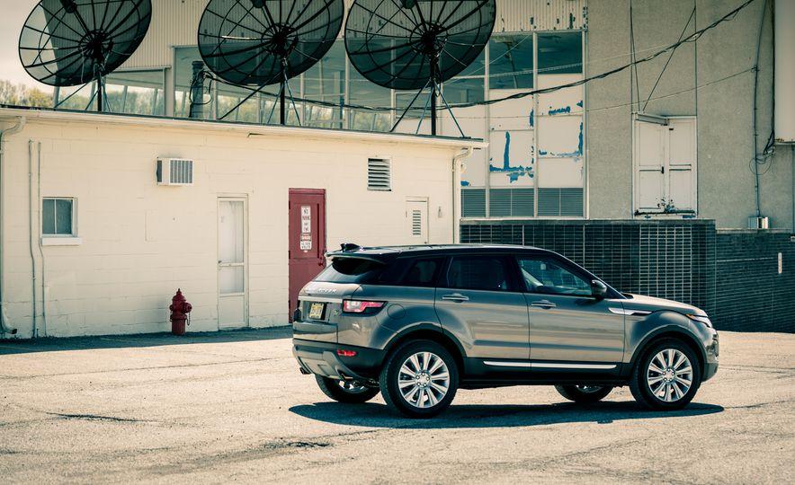 2017 Land Rover Range Rover Evoque - Slide 18