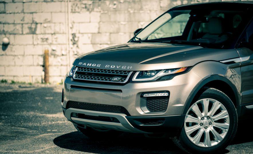 2017 Land Rover Range Rover Evoque - Slide 21